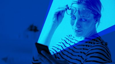 Study: The blue lights from our screens can blind us