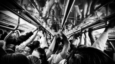 6 ways to stay calm during an overly crowded commute