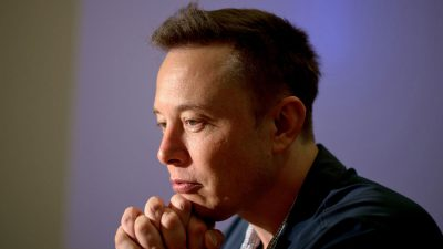 This is how Elon Musk makes big decisions