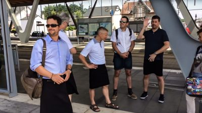 French bus drivers wear skirts to protest prohibition on shorts