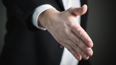 9 steps to the confident 'hire me' handshake
