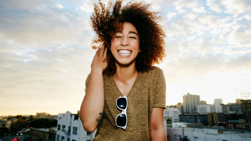 This is how to have a happy life: 4 proven secrets from research