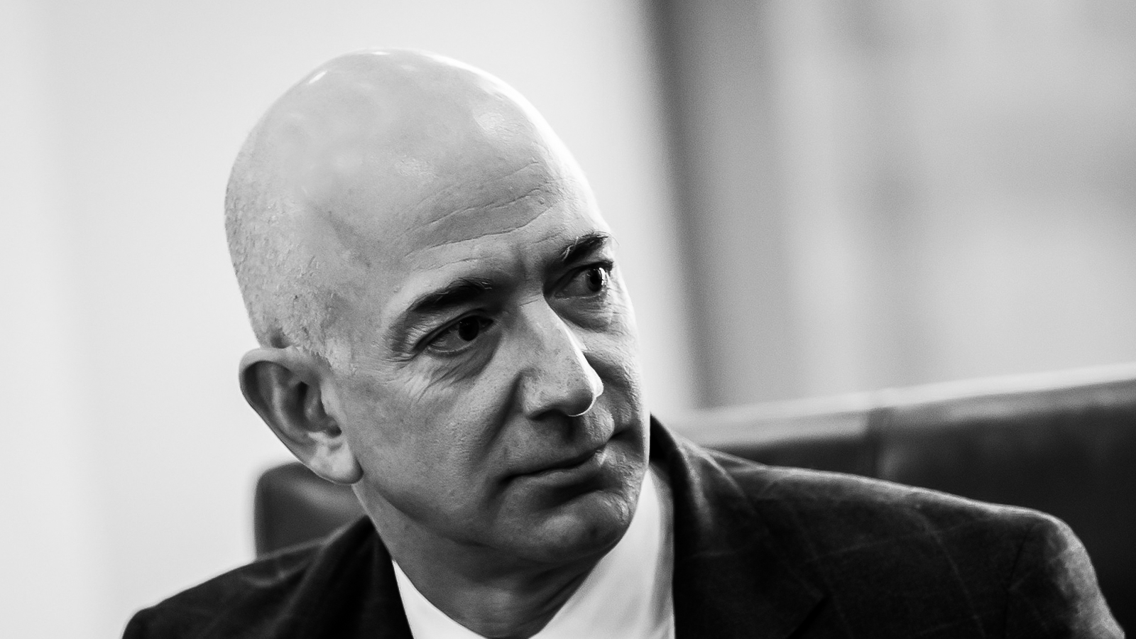 Jeff Bezos told Amazon execs to consider these 3 questions before offering someone a job