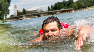 This man swims to work every day and loves it