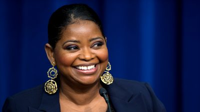 Jessica Chastain and Octavia Spencer show us how you can team up with your coworkers
