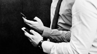 Survey: 10% of Americans say they've 'had their phone out' during a job interview