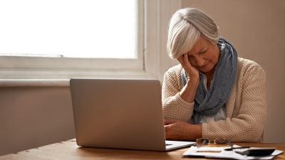 Survey: More than half of workers over 60 are postponing retirement