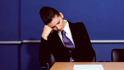The 6 most dangerous sleeping habits for professionals