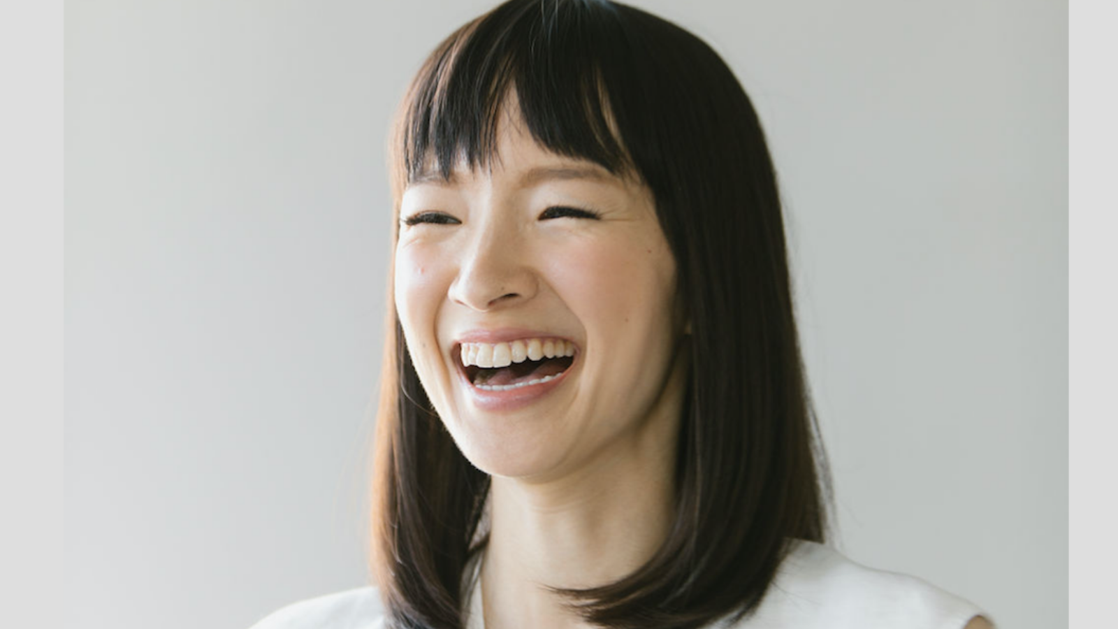 This is Marie Kondo's genius hack for starting the work day and you can do it too