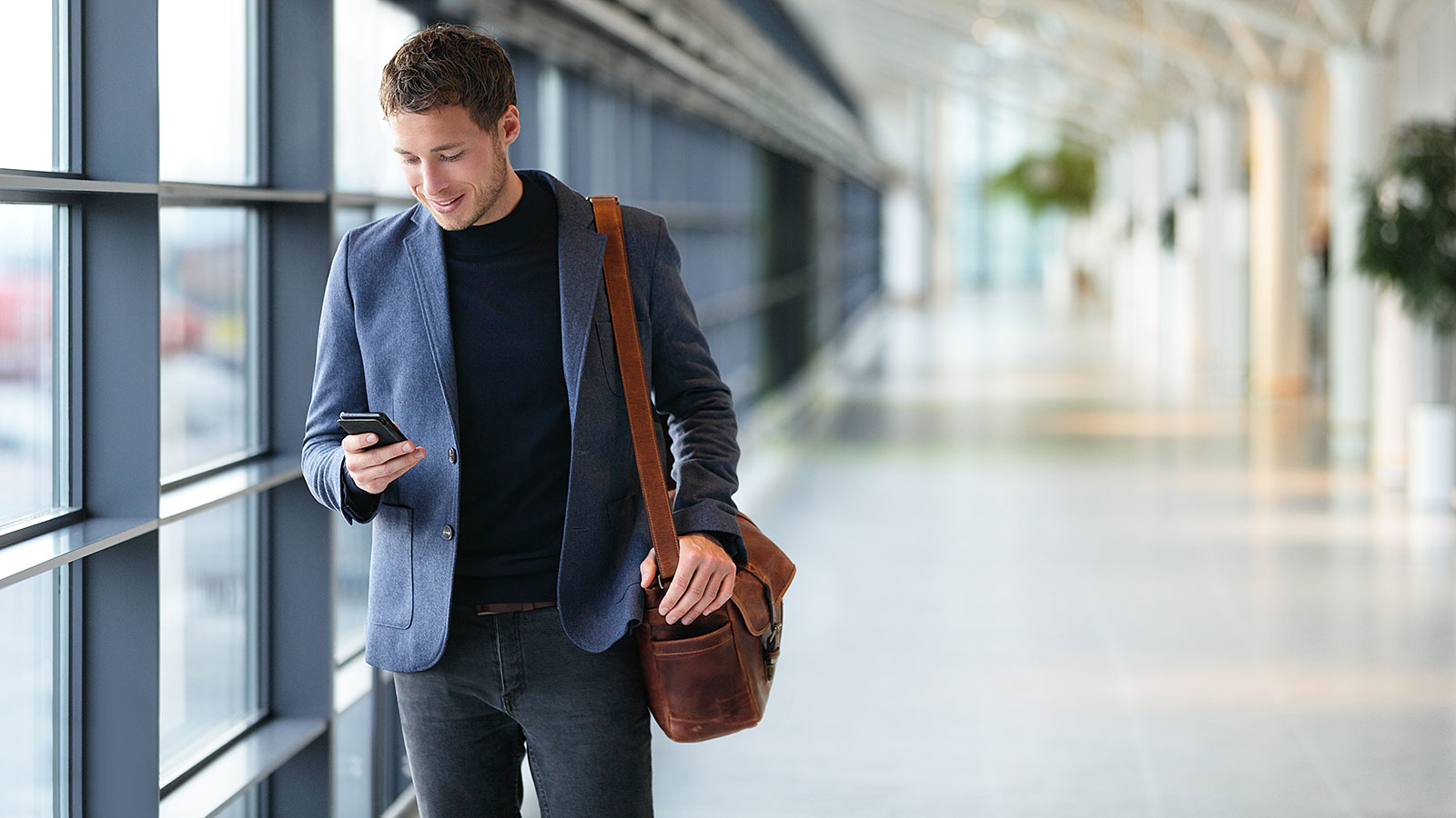 13 essential tips for business travel (from the experts)