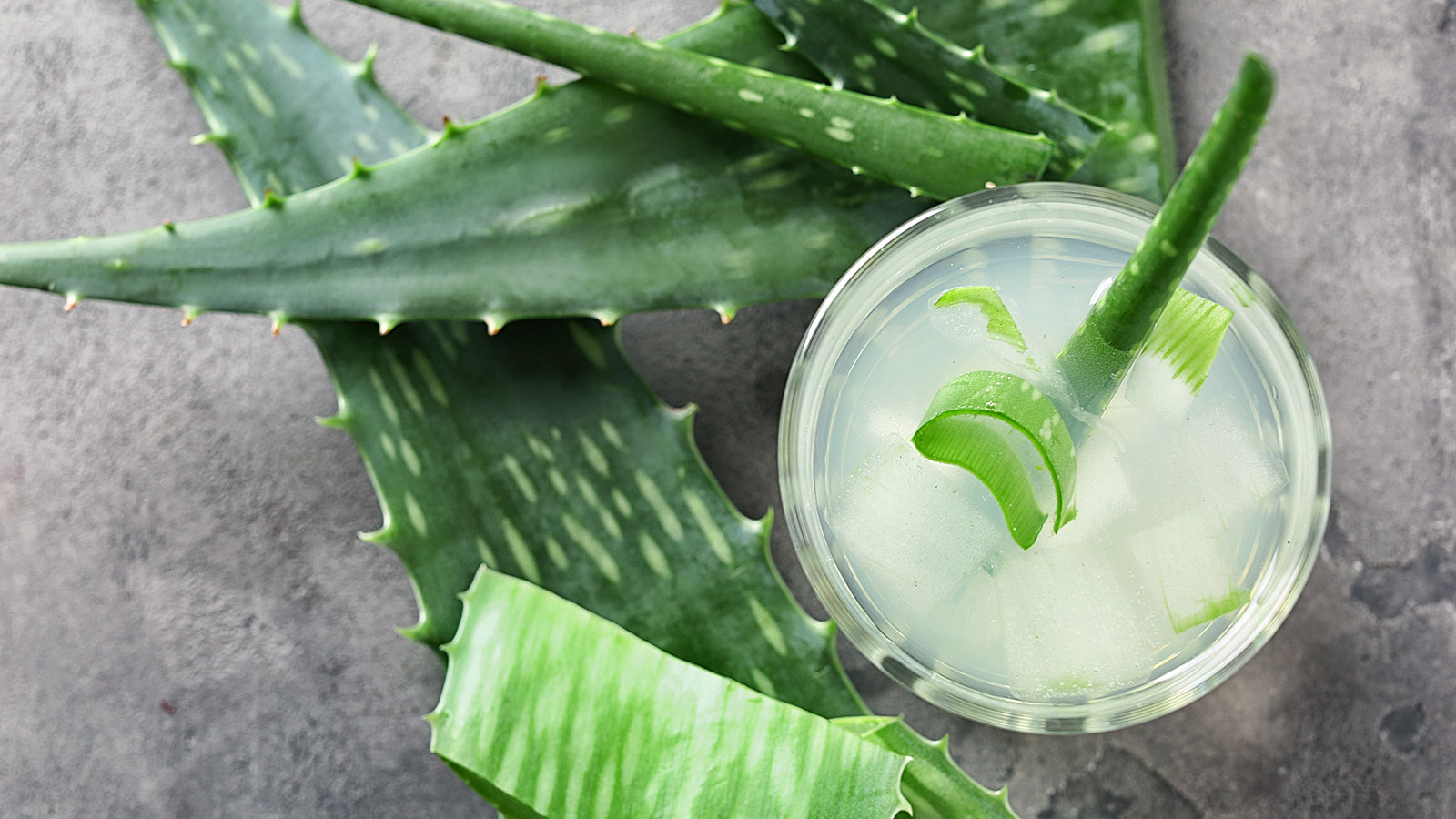 5 reasons you should drink aloe juice this summer