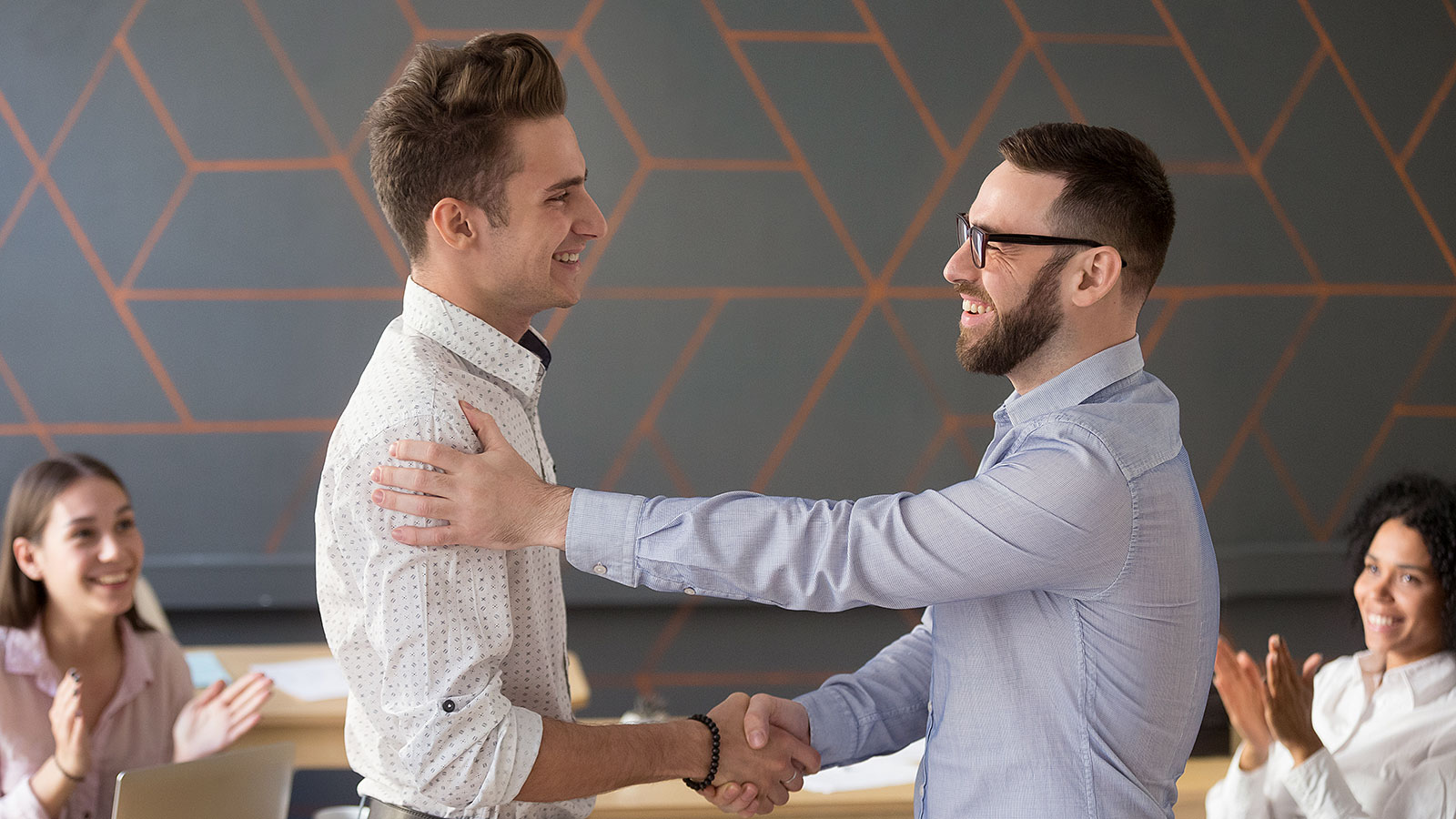 5 signs your boss doesn't like you as much as you think