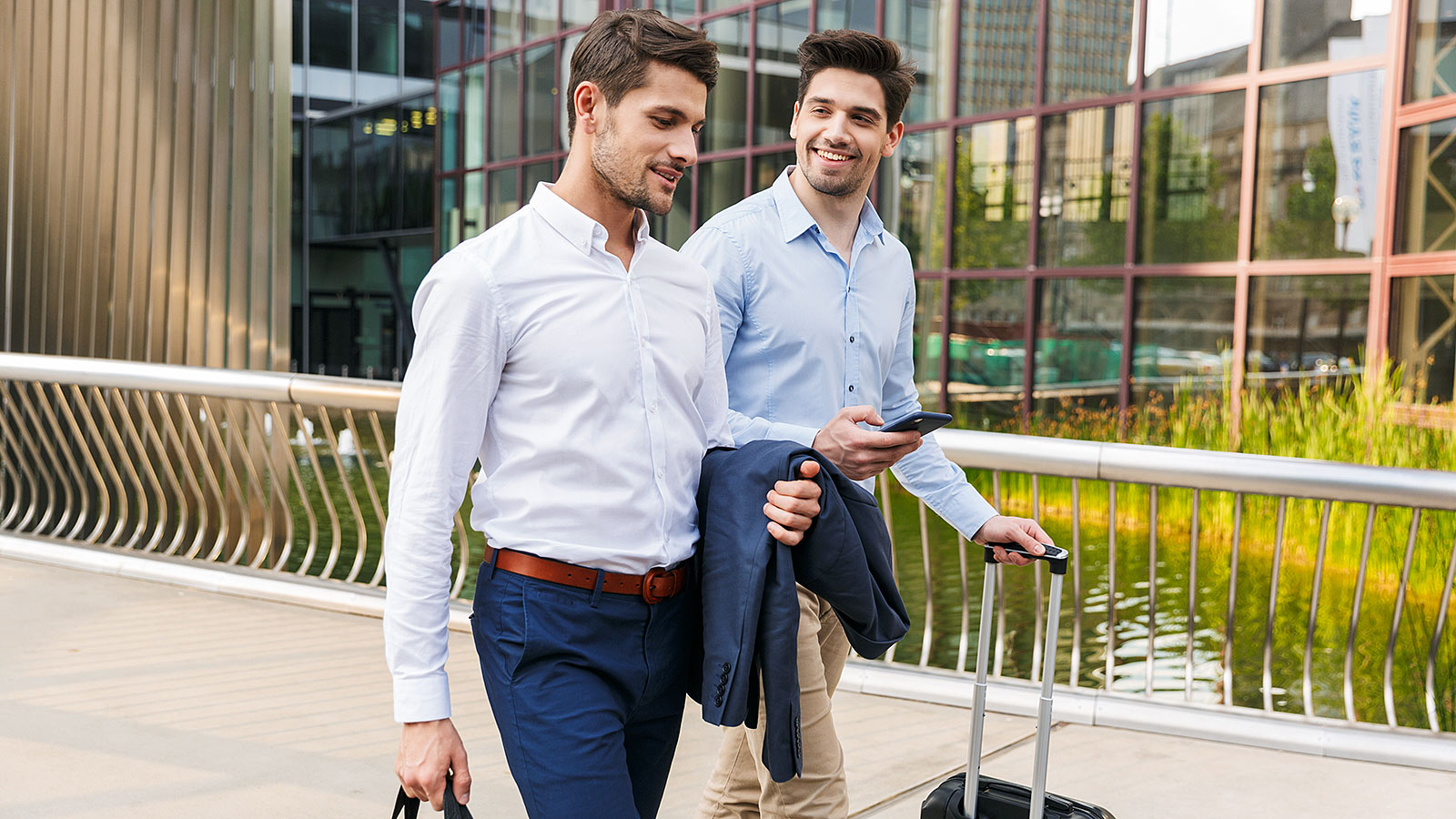 How to travel with colleagues to off-site meetings without awkwardness