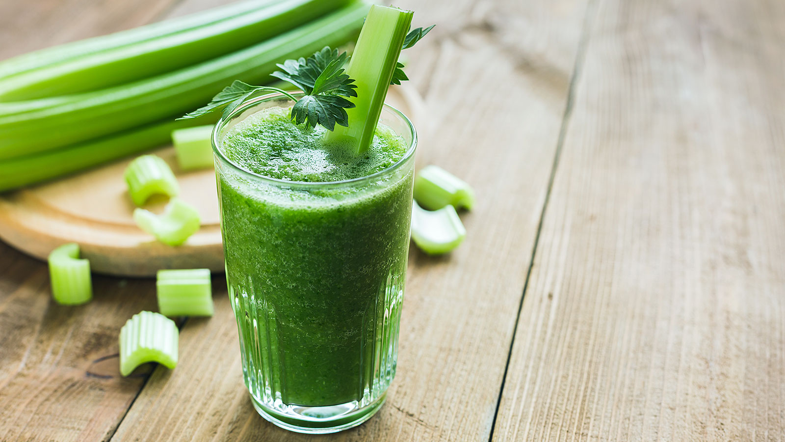 I drank celery juice every day for a month, here's what happened