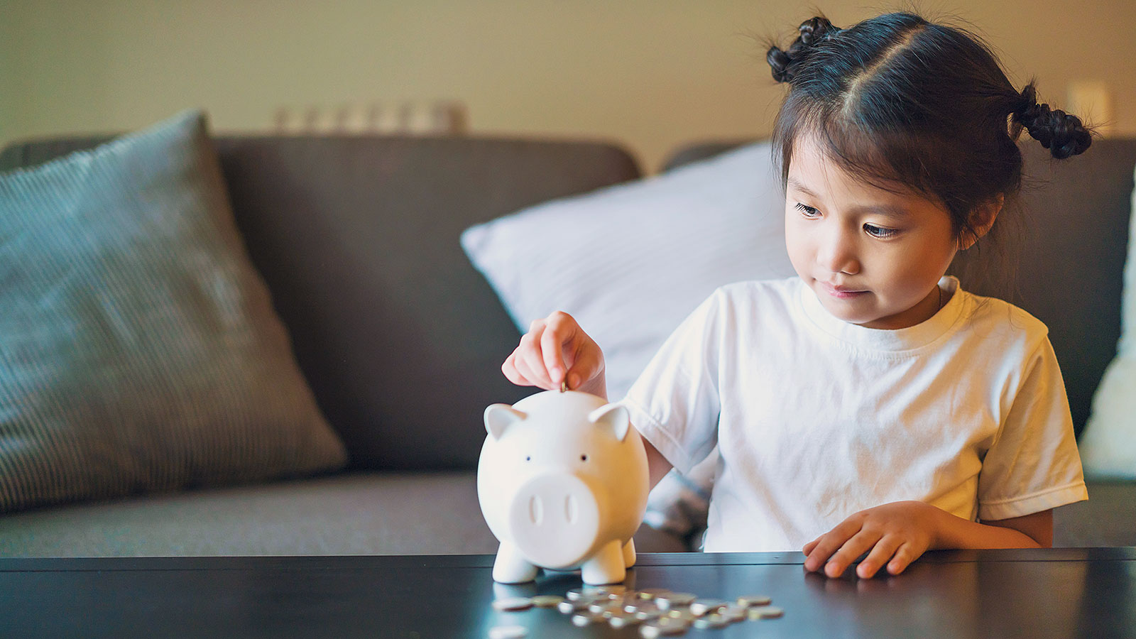 This is how much money most parents give their kids every week