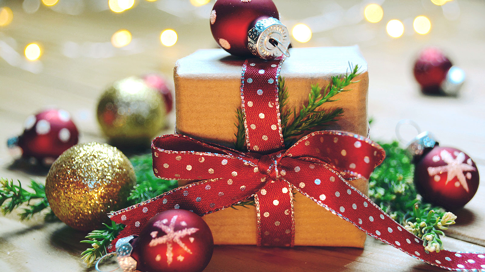 Simple ways to have yourself an eco friendly Christmas
