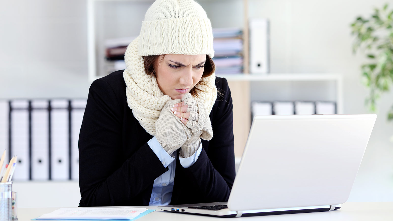 Game changing study reveals that turning up the thermostat may increase women's productivity
