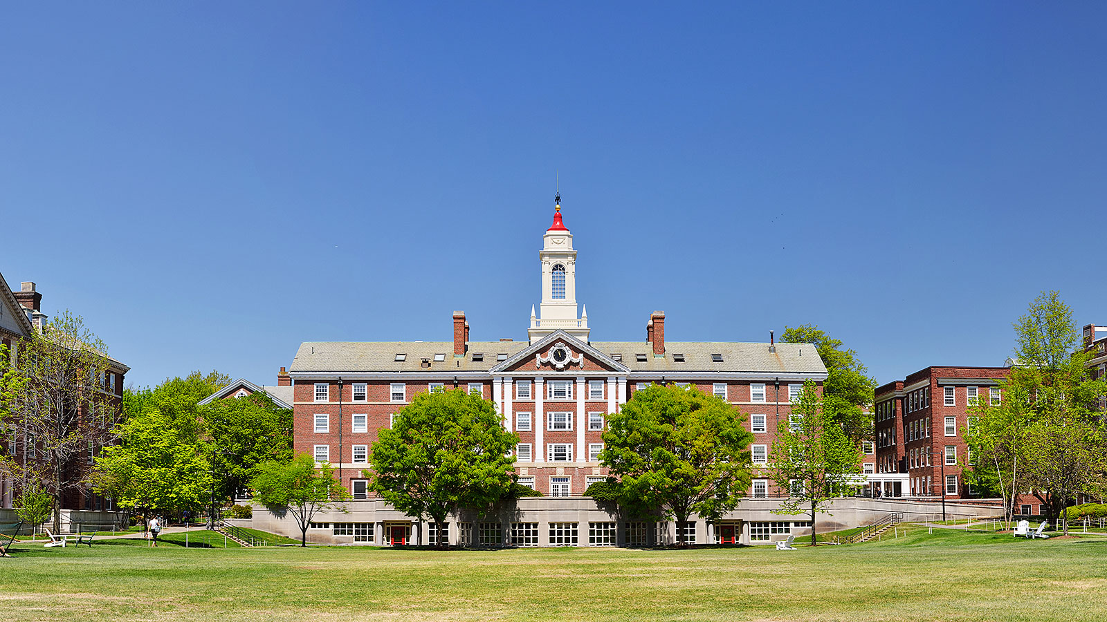 The surprising way people choose which college to attend
