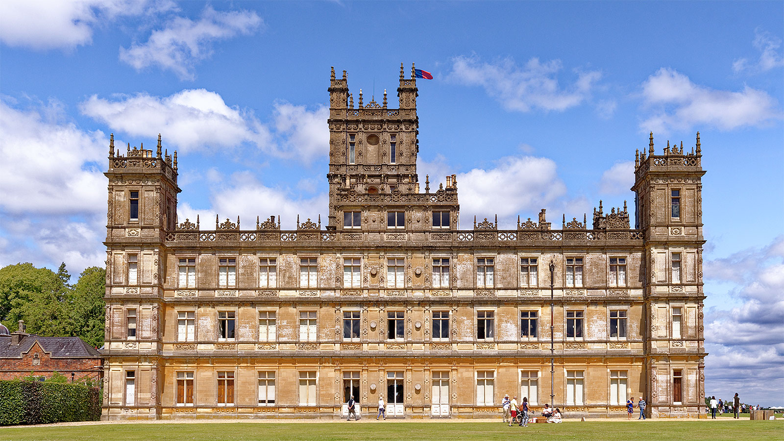 Branding lessons from Countess Carnarvon of Highclere Castle (the home of Downton Abbey)
