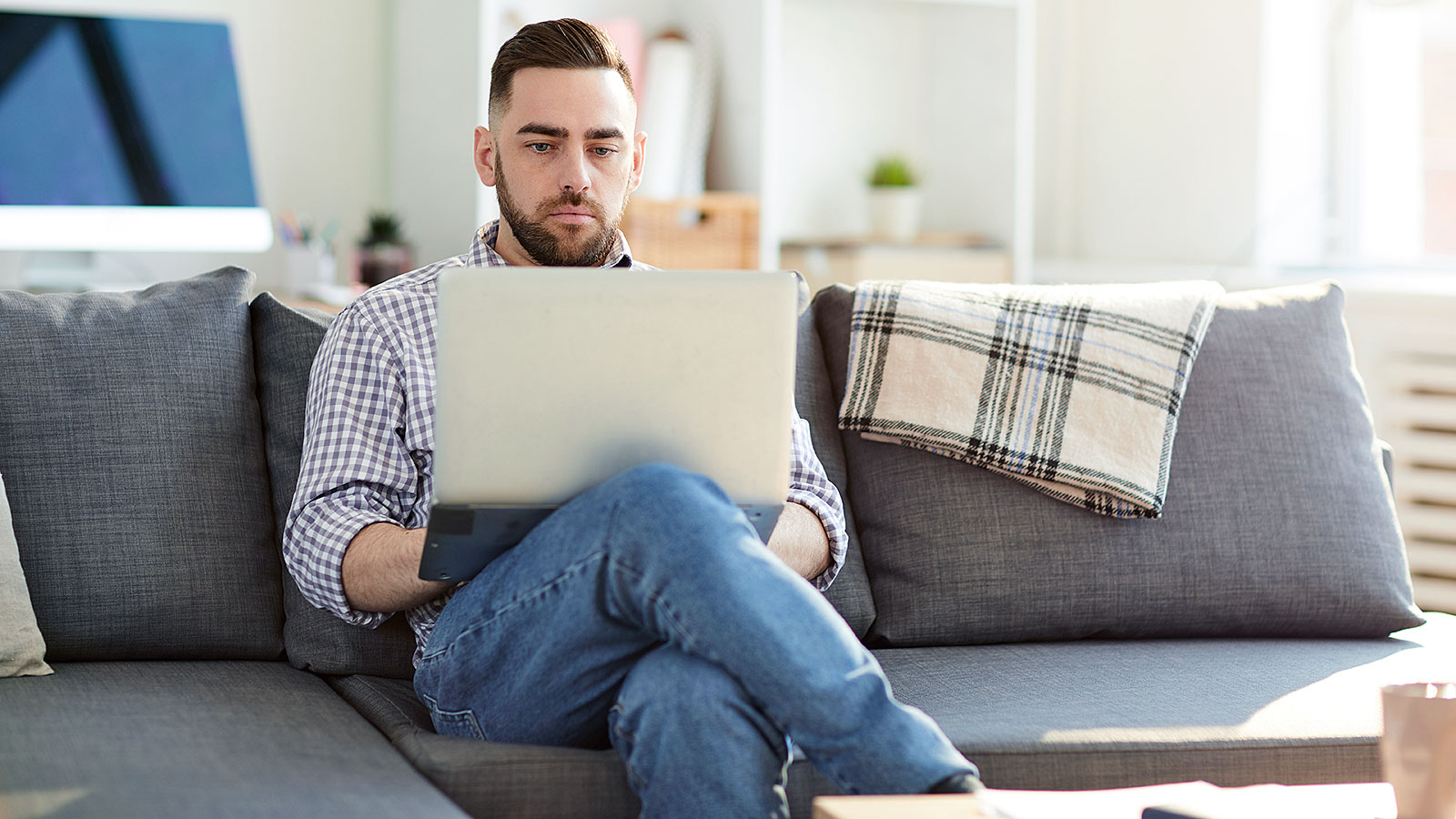 Should you work from home or at the office? Science has the answer