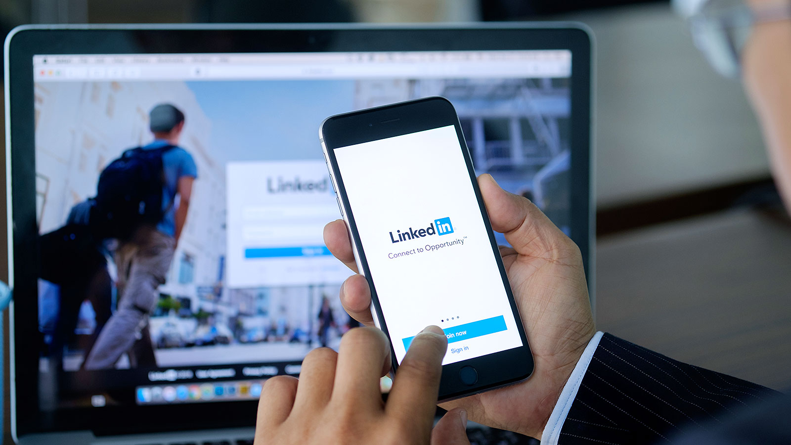 How to update your Linkedin profile (without setting off red flags at work)