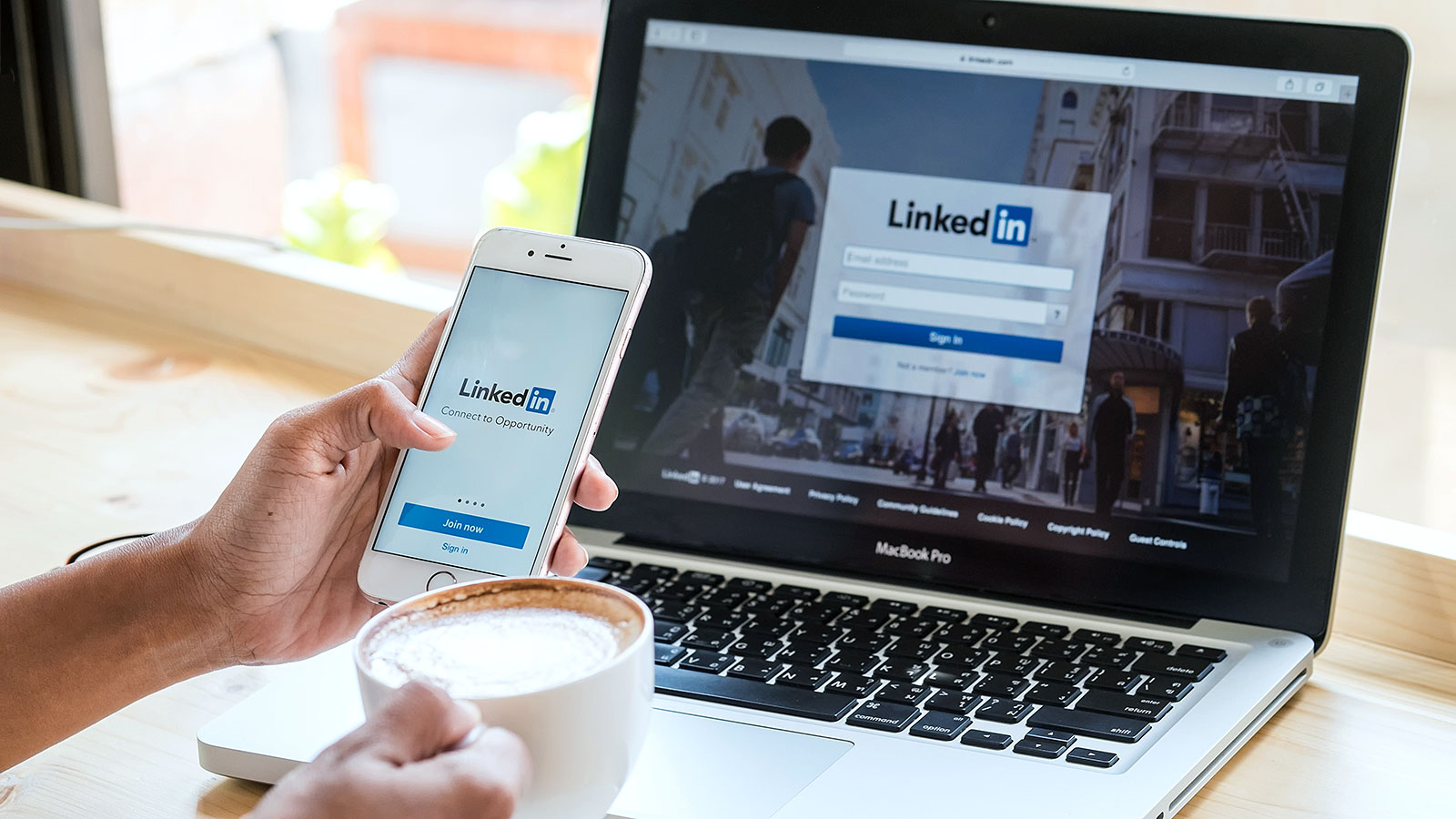 4 things to add to your Linkedin profile when searching for a new job