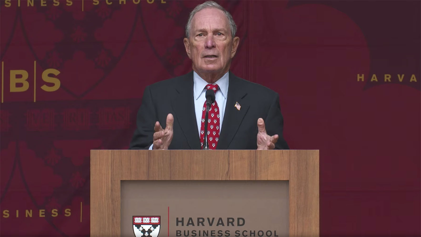 Billionaire Mike Bloomberg tells Harvard graduates that money isn't important