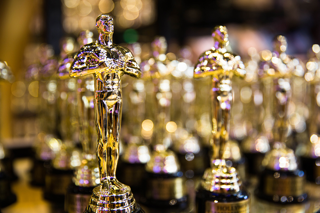 Wearing this color at your interview may get you the job (and an Oscar)
