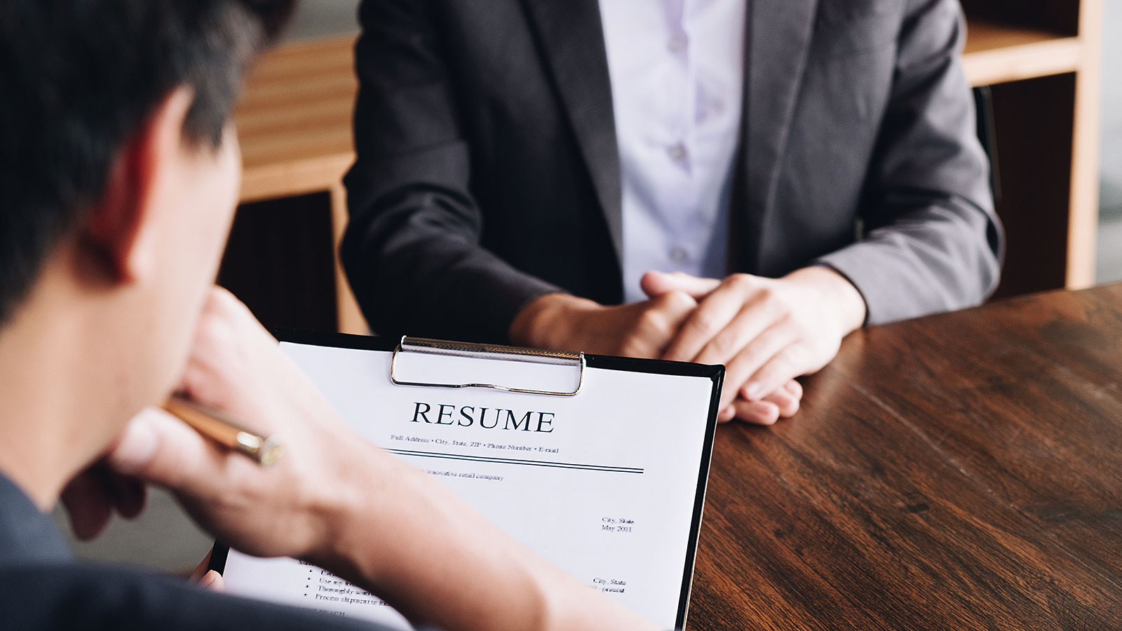 8 verbs all leaders need to have on their resume