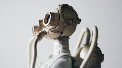 Eerily smart new robots can read human body language