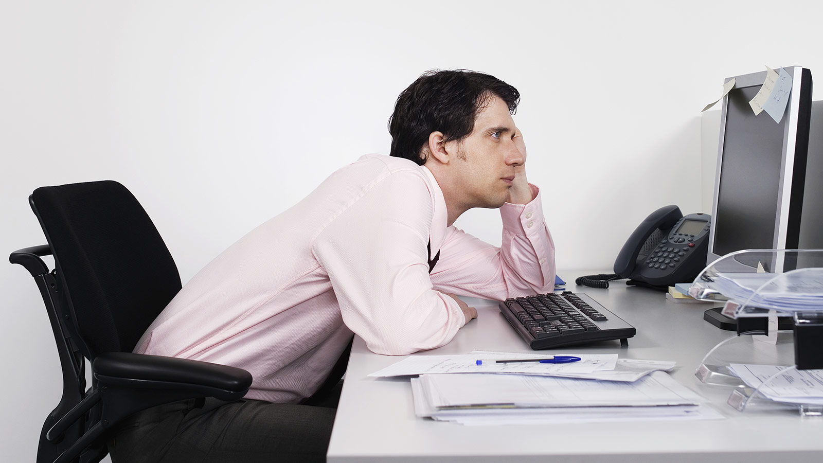 Prolonged sitting estimated to kill 70,000 in the UK a year
