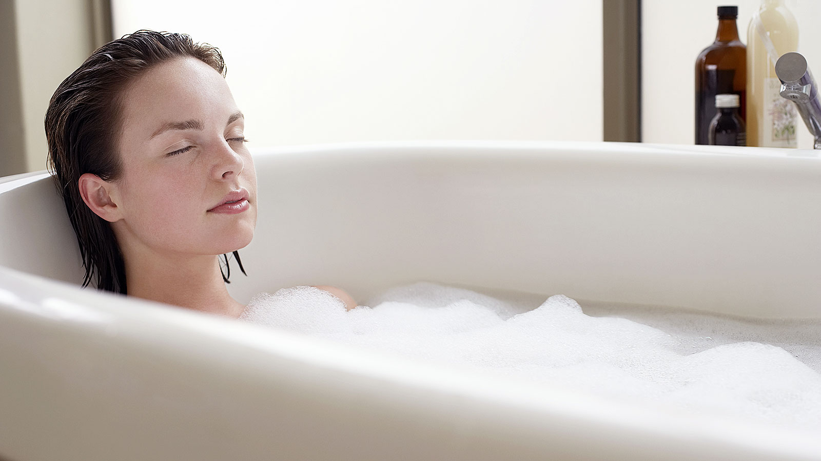 Want better sleep? Try a warm bath or shower 1-2 hours before bedtime, study suggests
