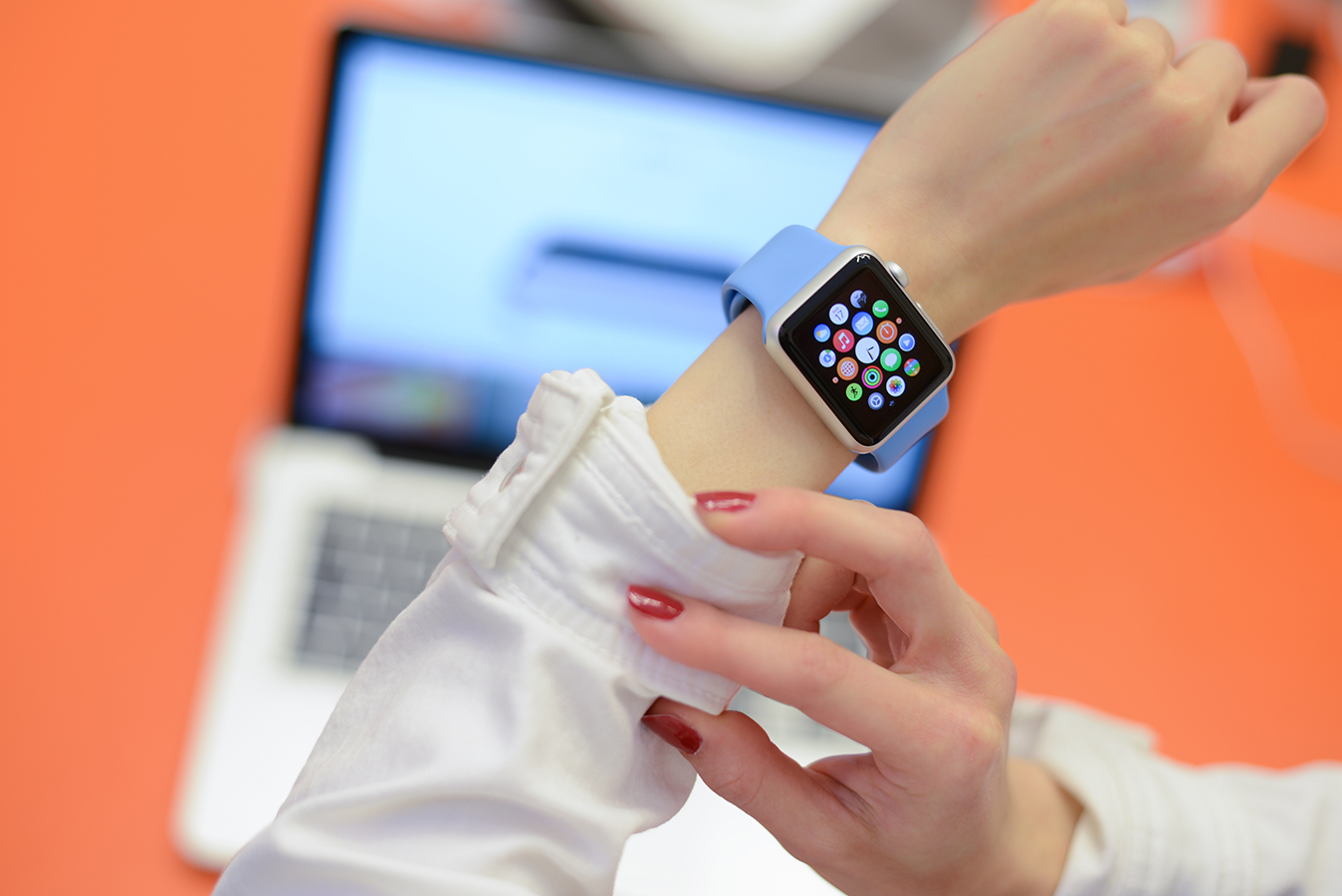 These are the smartwatch etiquette rules you must follow in the office