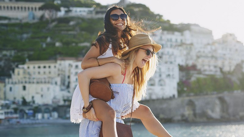21 tiny things that build major trust with people