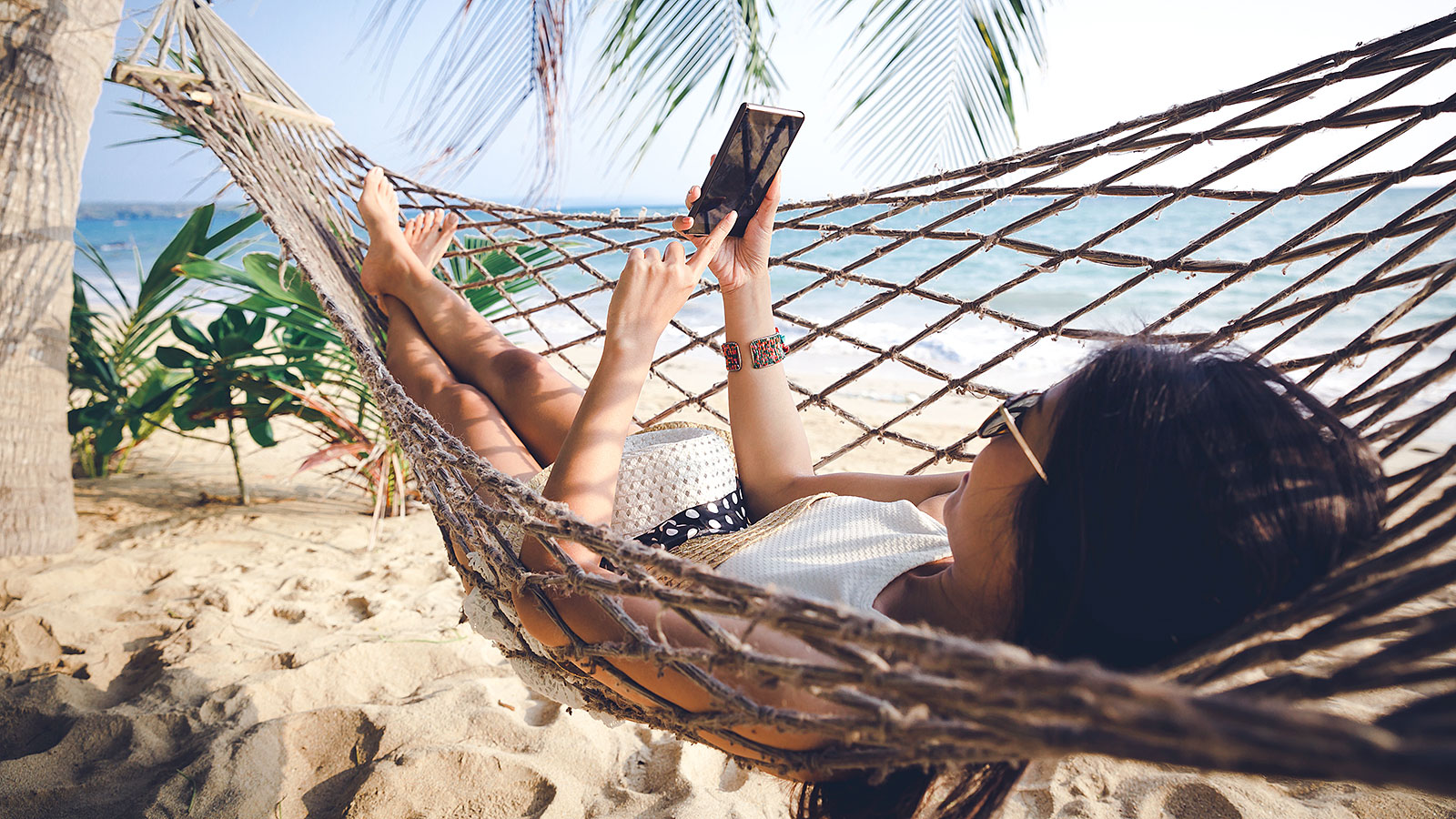 Half of Americans are preoccupied with one thing (and one thing only) when they vacation
