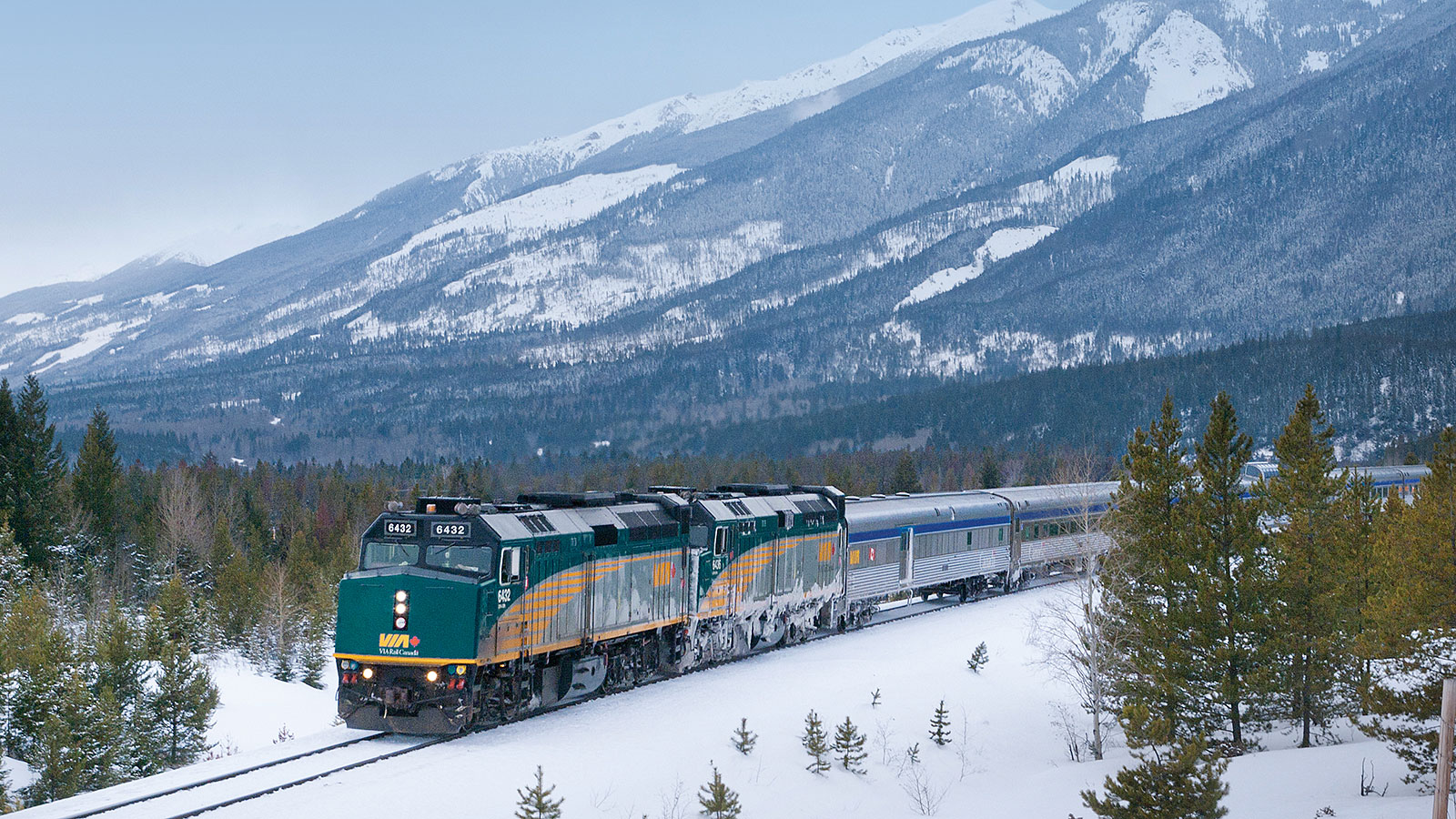 Riding the Canadian rails: 2 experiences on different tracks