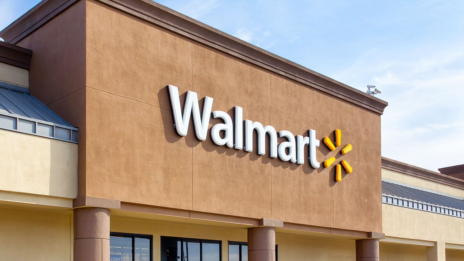 These are the first steps to becoming a CEO, according to Walmart's CEO
