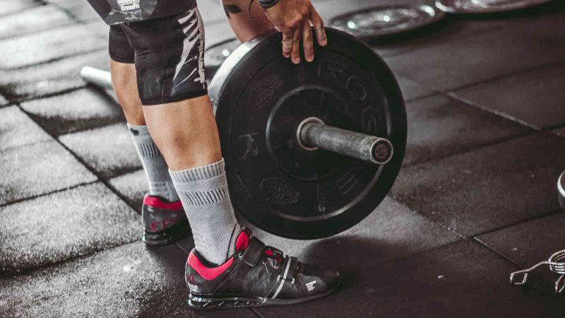 Weightlifting less than an hour per week could increase your longevity