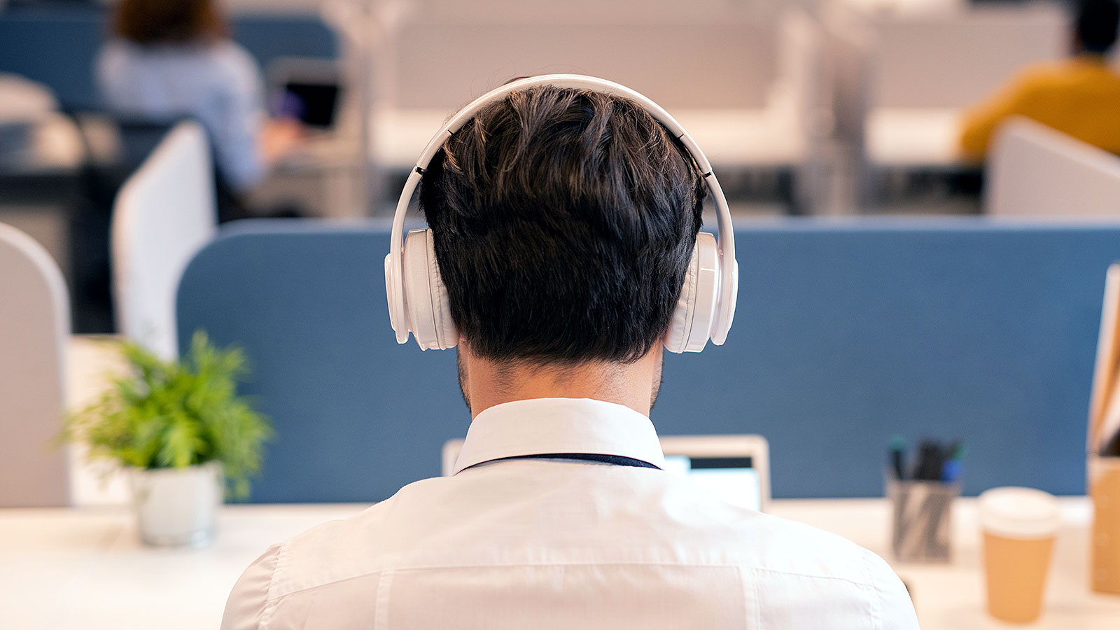 This is what people really think when you wear headphones at work