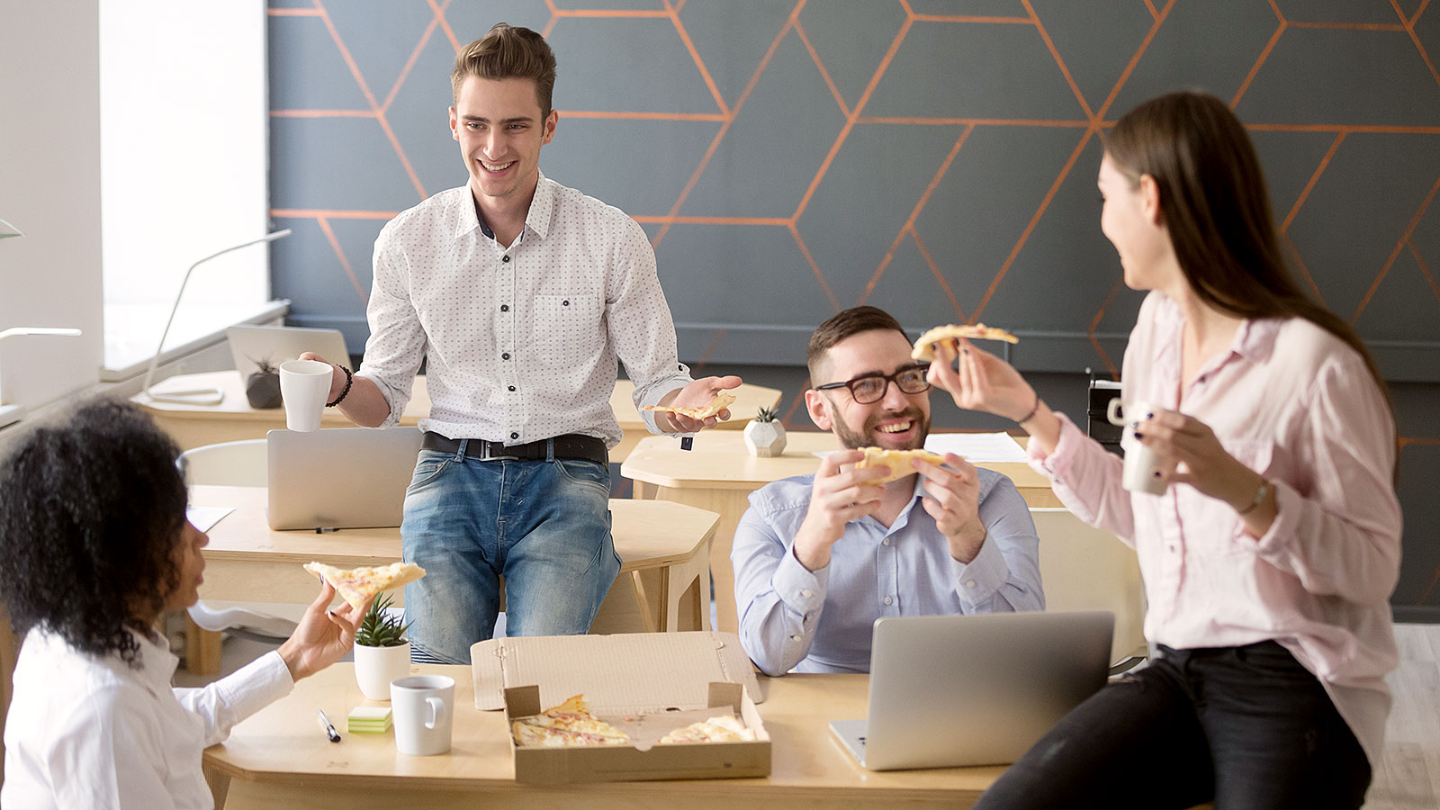 5 research-backed reasons why you need work friends (and how to go about making some)